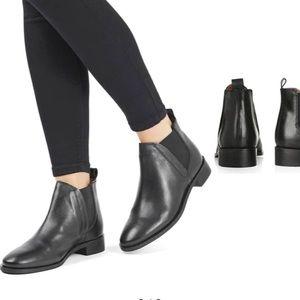 Topshop Chelsea Boots/Booties